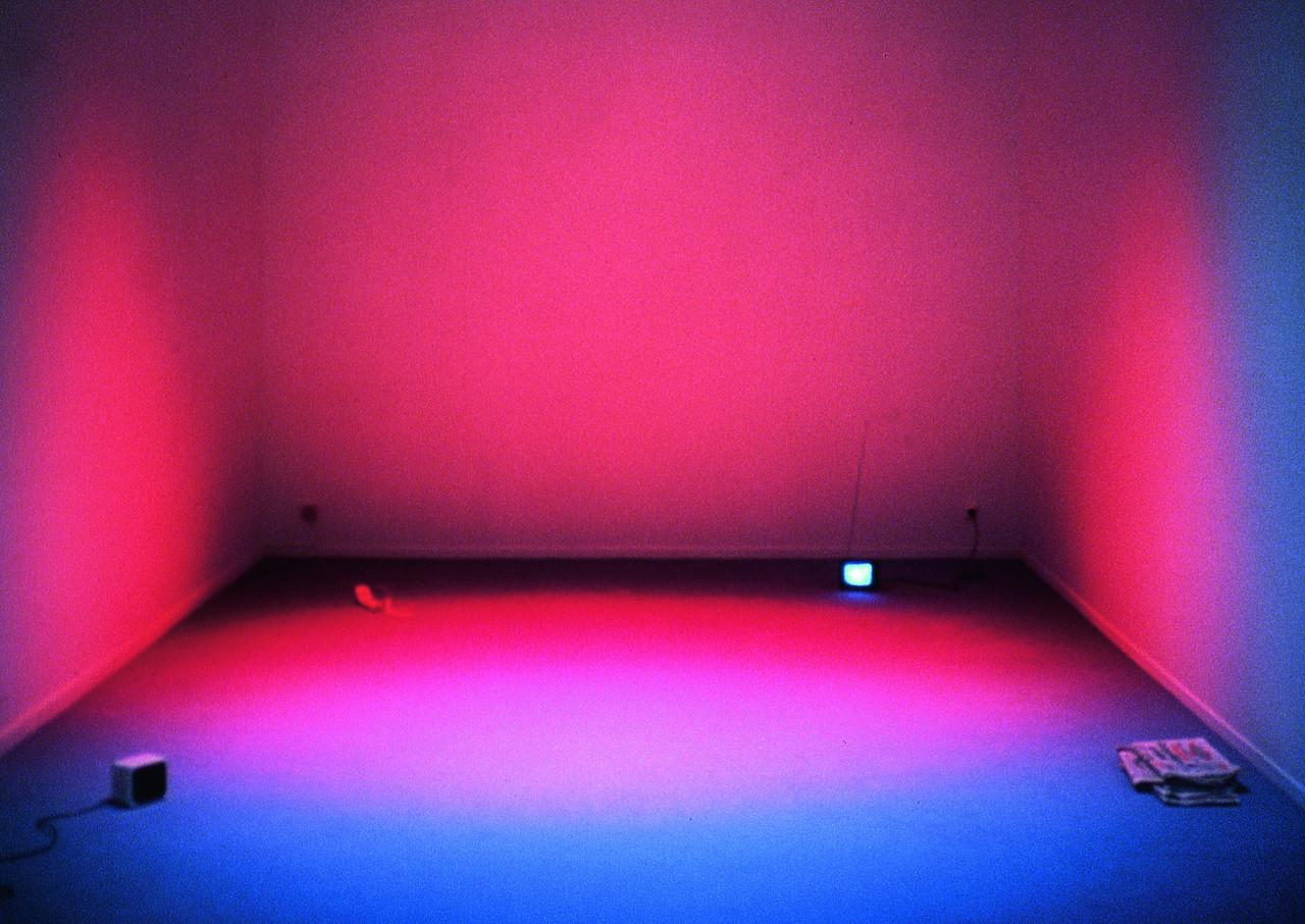 Dominique Gonzalez-Foerster, Une chambre en ville, environnement, Van Abbemuseum, Eindhoven, 1996 © Marc Domage © courtesy de l'artiste et Esther Schipper, Berlin © Adagp, Paris 2015