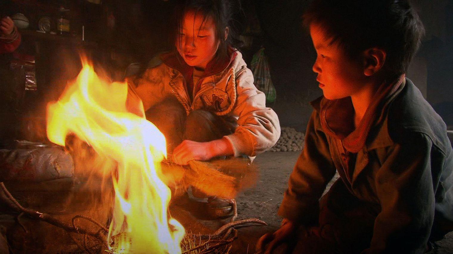 Les Trois soeurs-du Yunnan (Wang Bing, 2013).
